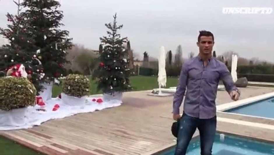 Vidéo insolite : Cristiano Ronaldo nous fait visiter sa maison