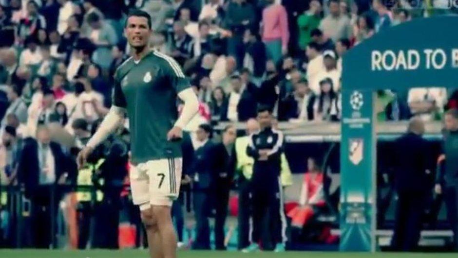 Vidéo insolite : Cristiano Ronaldo envoie le ballon sur un enfant puis lui offre son maillot