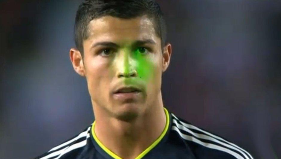Ronaldo encore gêné par un laser !