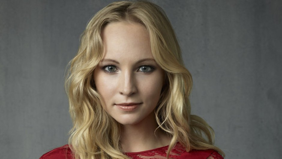 The Vampire Diaries : Candice Accola joue à se faire peur pour Halloween