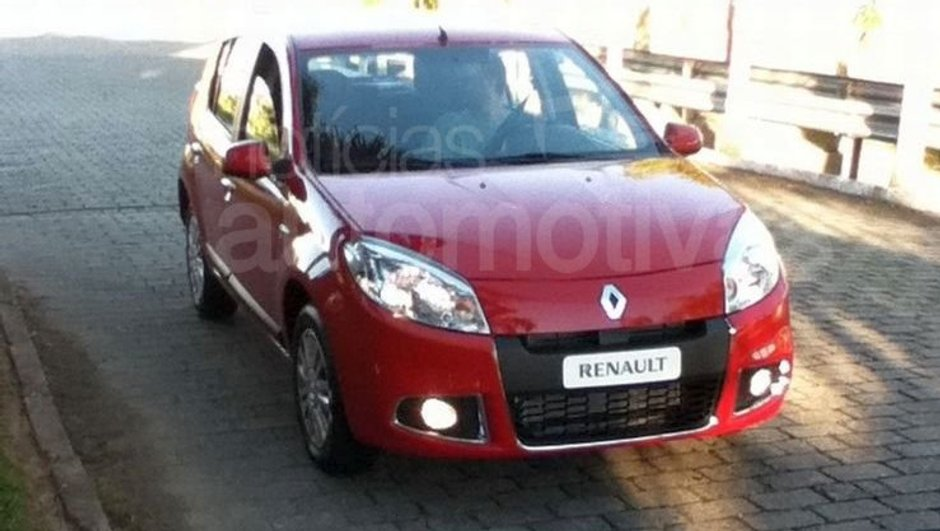 Scoop : Nouvelle Dacia Sandero 2011 en liberté