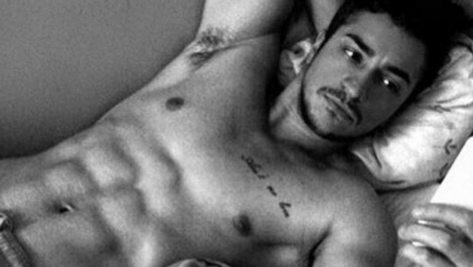 Les 10 clichés les plus sexy de Darko torse nu