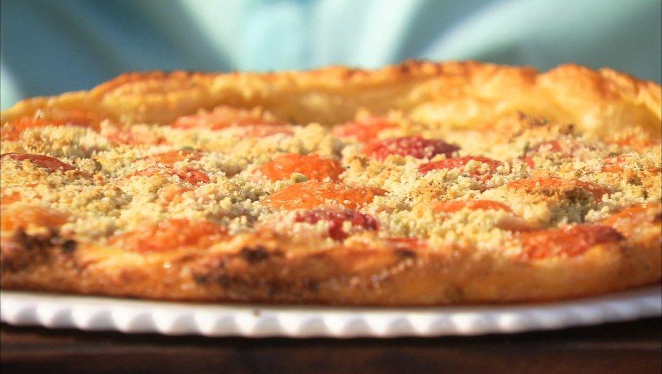Tarte fine aux abricots, amande et basilic