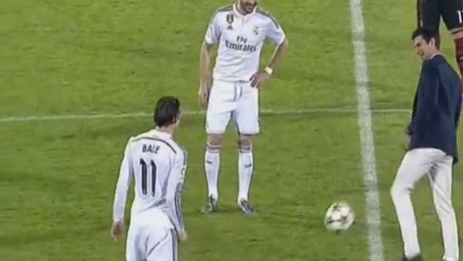 VIDEO Real Madrid : Djokovic jongle avec Benzema et Bale