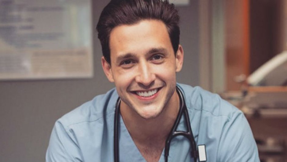 docteur-mike-plus-medecin-monde-c-lui-0487059