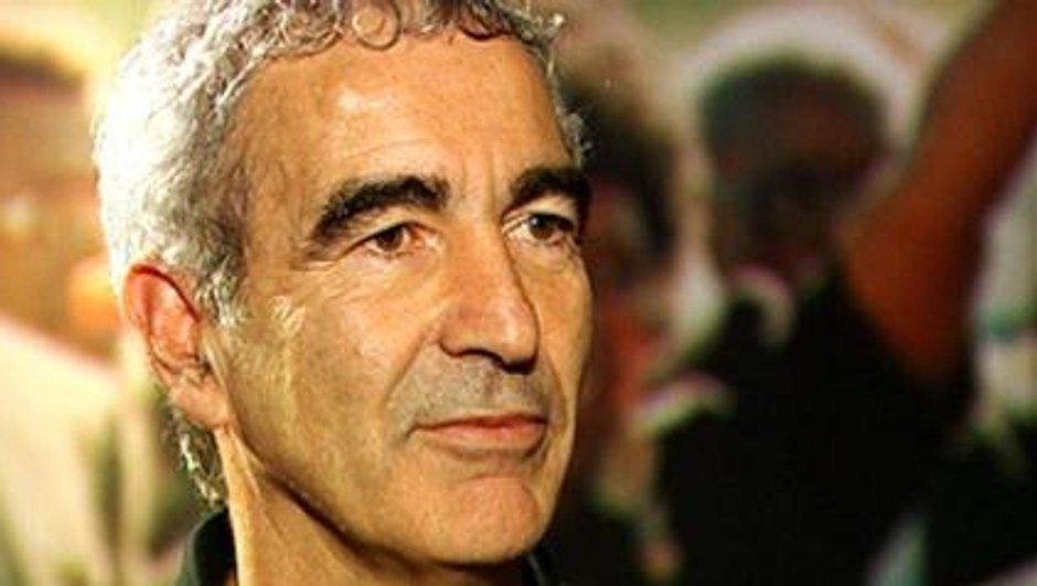Affaire Zahia : elle écrit à Raymond Domenech !