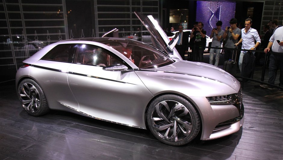 Mondial de l'Automobile 2014 : la Divine DS Concept, une compacte aux lignes anguleuses