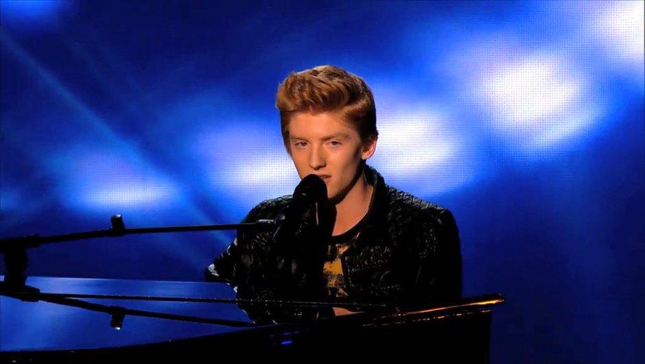 """The Voice 3 : Elliott joue la carte de l'ambiguïté sur """"Nightcall"""""""