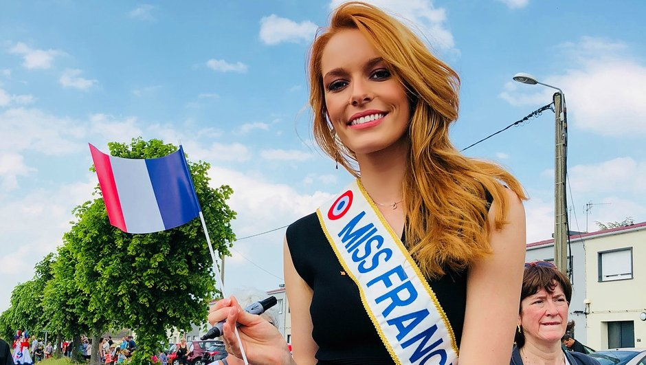 Quand Miss France Maëva Coucke rencontre Brigitte Macron…