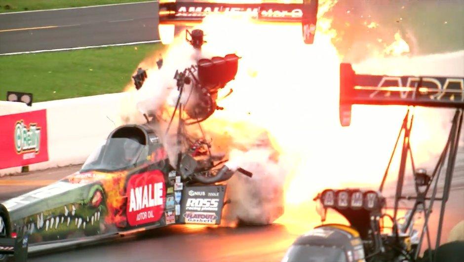 Vidéo Insolite : un moteur de dragster explose en slow-motion