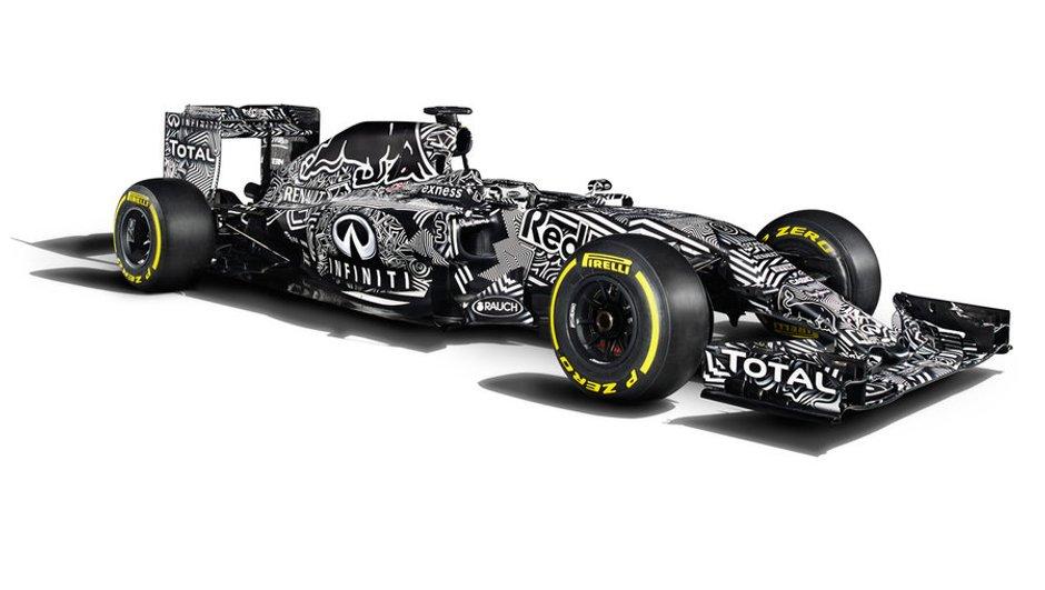 F1 2015 - la nouvelle Red Bull RB11 entre en piste