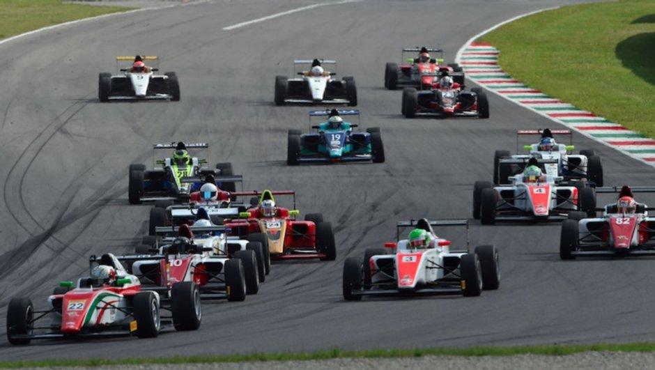 Formule 4 : Mick Schumacher a la victoire facile en Italie !