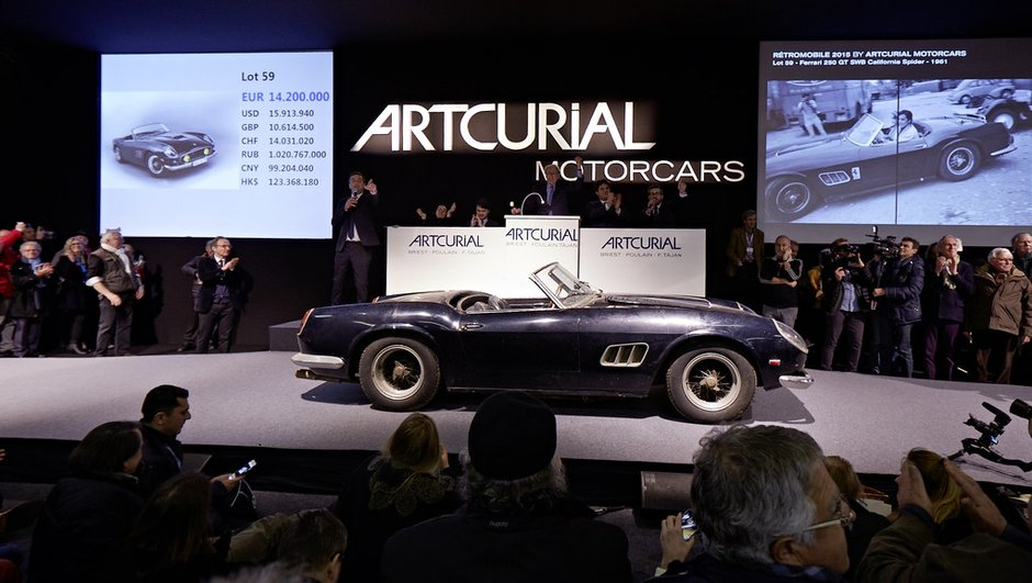 Enchères : la Ferrari 250 GT SWB California Spider vendue 16,3 millions