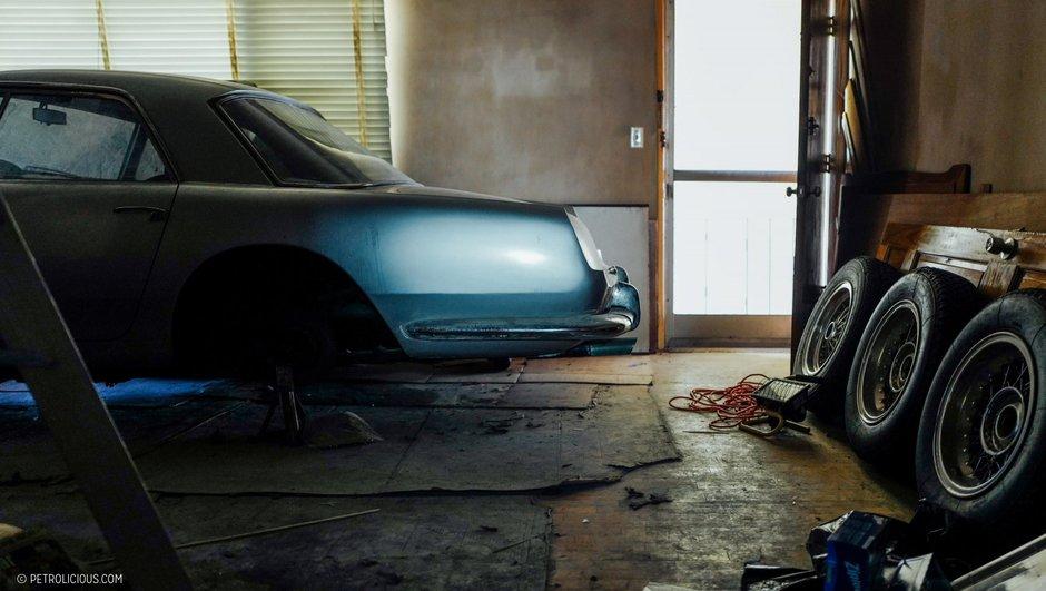 Insolite : une Ferrari 250 GT dort dans un appartement à vendre