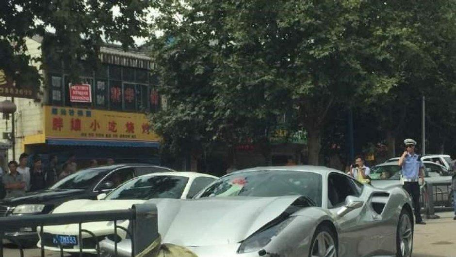 Deux Ferrari 488 GTB se percutent en Chine