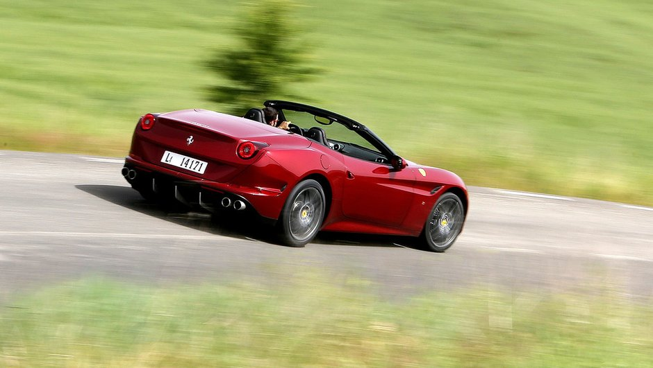 Ferrari : tous les V8 au turbo, les V12 à l'hybride