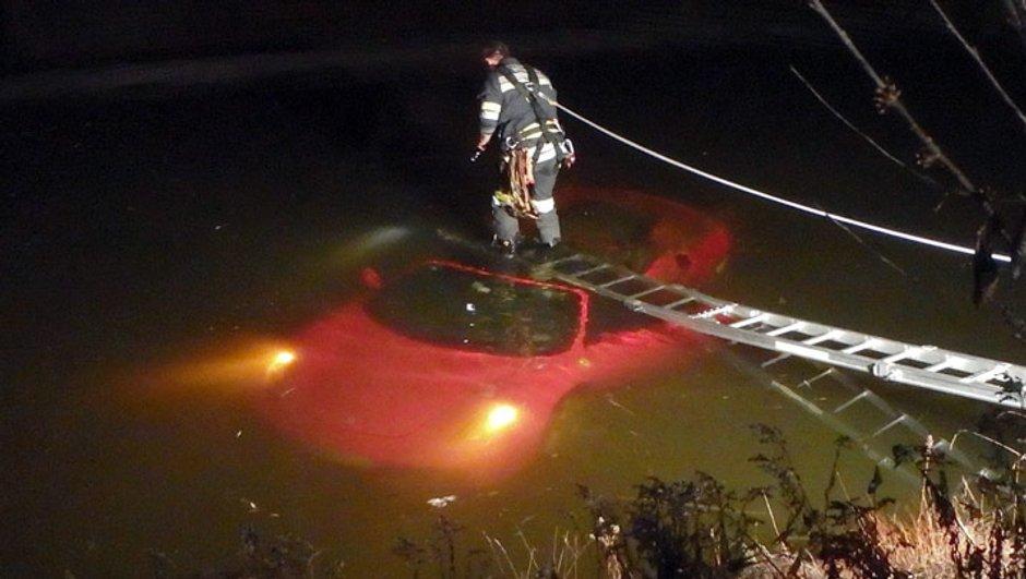 Insolite : Une Ferrari F430 Spider noyée dans un étang