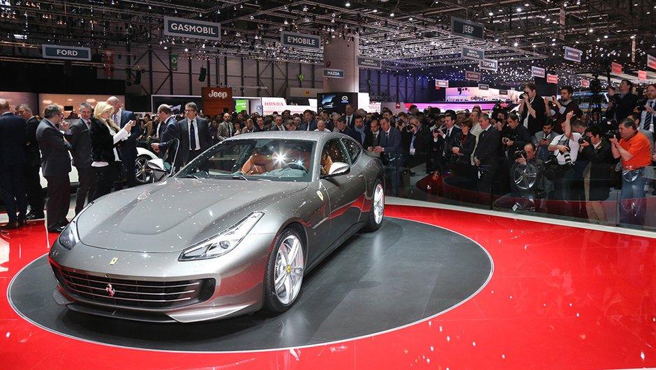 Salon Genève 2016 : la Ferrari GTC4Lusso se dévoile au grand public