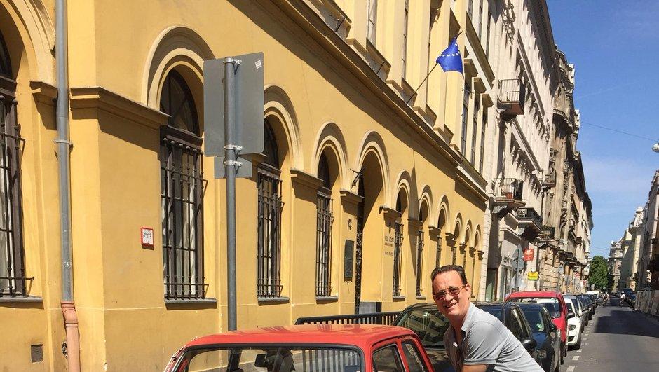 Insolite : à cause de quelques posts Instagram Tom Hanks se fait offrir une Fiat 126P