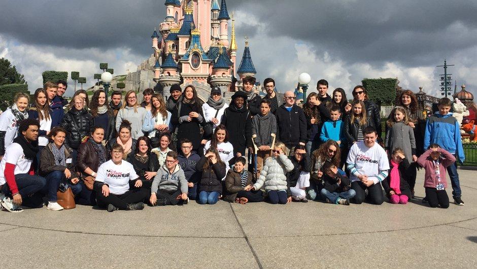 Les finalistes donnent de leur corps à Disneyland Paris !