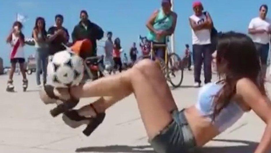 VIDEO Insolite : une belle argentine jongle en talons !