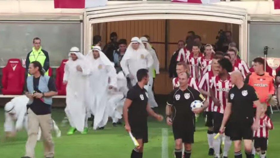 video-insolite-footballeurs-jouent-djellabas-5007747