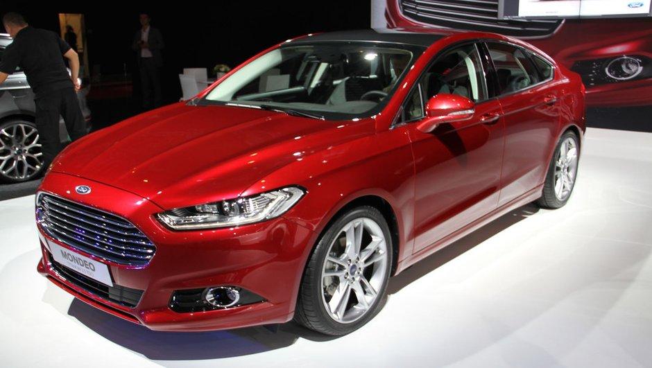 Mondial de l'Auto 2012 : la nouvelle Ford Mondeo se plie en 3