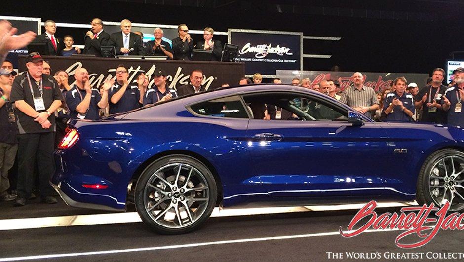 Insolite : La première Ford Mustang 2015 vendue 300.000 dollars !