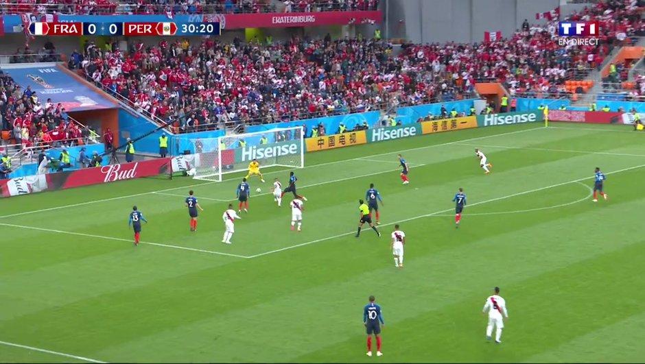 France-Pérou : l'arrêt crucial de Lloris devant Guerrero à la demi-heure de jeu