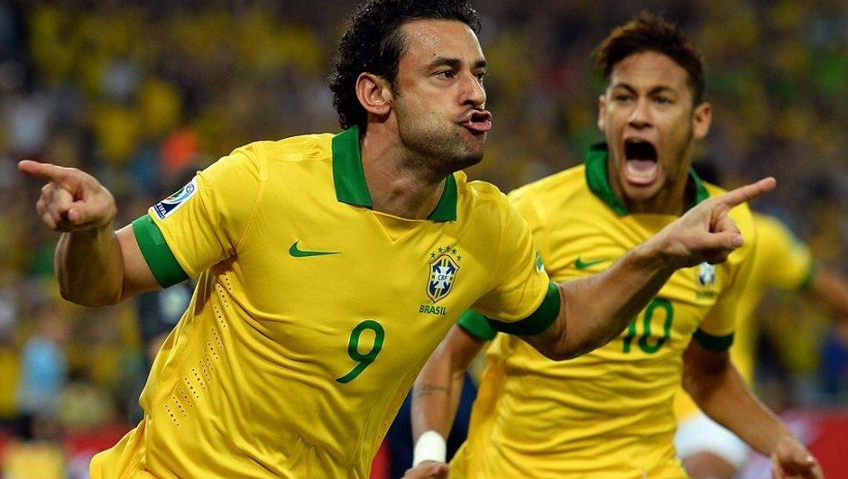 Vidéo insolite : Fred et Chiellini parodient la morsure de Luis Suarez