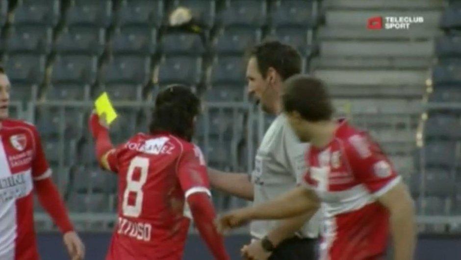 Insolite : Gattuso met un carton jaune à un adversaire (vidéo)