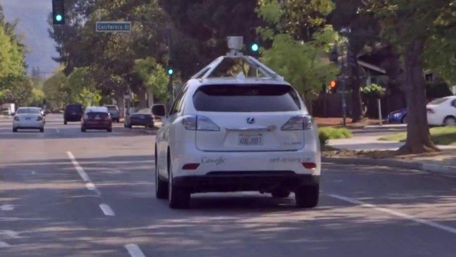 video-google-montre-voiture-autonome-ville-5938100