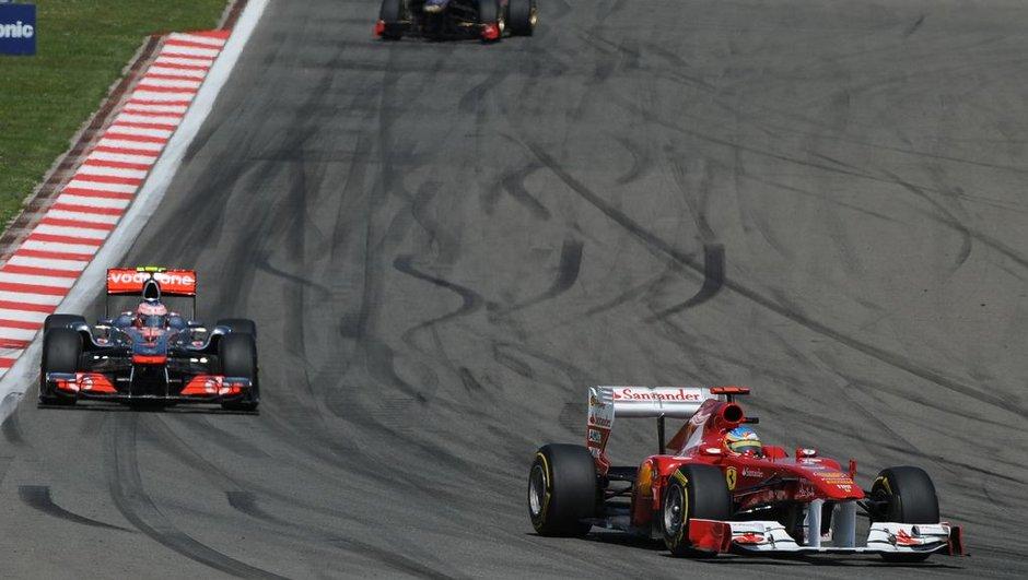 F1 - McLaren : un départ de Lewis Hamilton ?