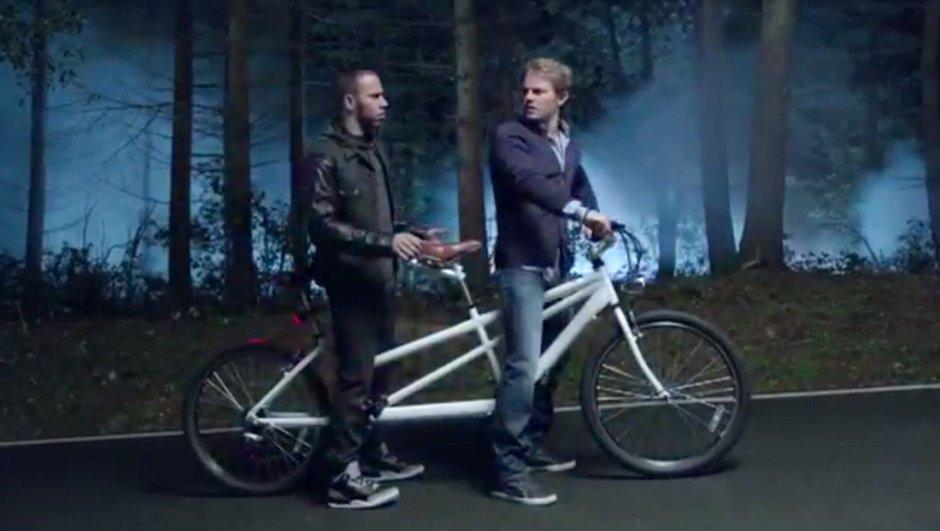 Mercedes A4 AMG : Rosberg et Hamilton réunis dans une pub insolite (vidéo)