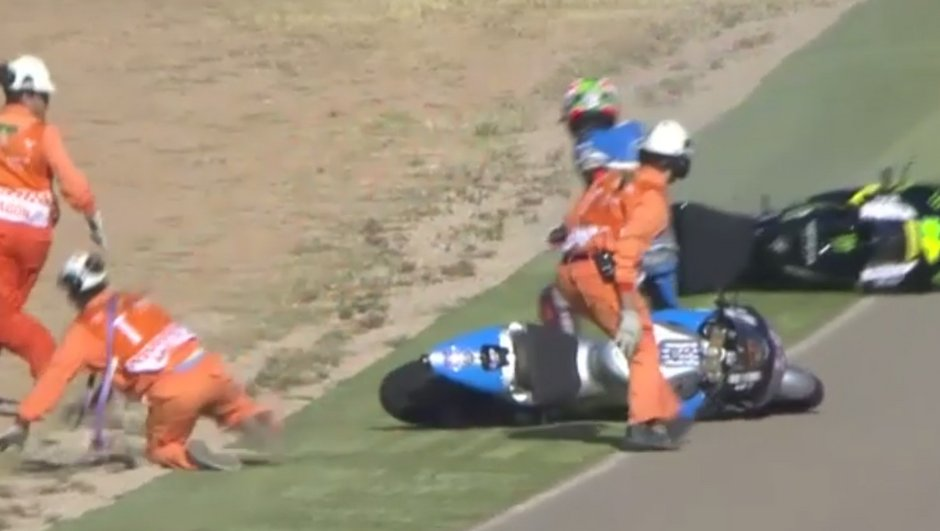 Vidéo – Grand Prix d'Aragon 2016 : Rossi, Marquez, Hayden… incroyable série de chutes !