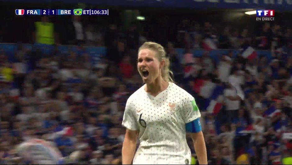 France-Brésil : Le but du 2-1 d'Amandine Henry en vidéo