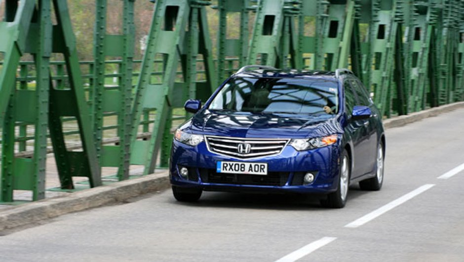 Honda Accord Tourer 2.2 i-DTEC : Raffinée et technologique