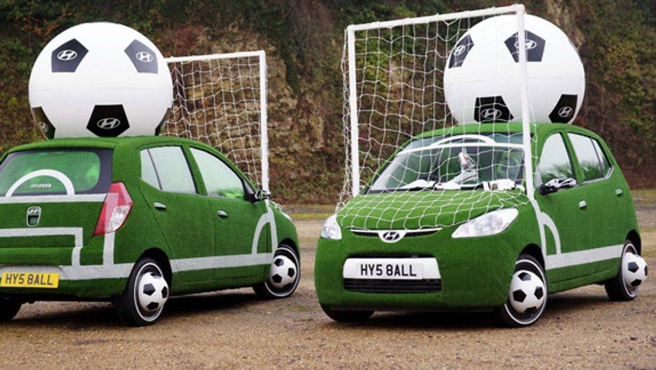 Insolite : un duo Hyundai i10 pour la Coupe du Monde de Football
