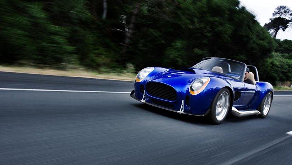 iconic-ac-roadster-renaissance-d-un-mythe-6513604