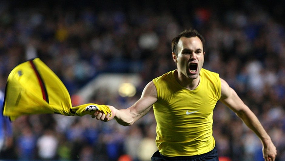 Iniesta blessé, mais l'Espagne déroule