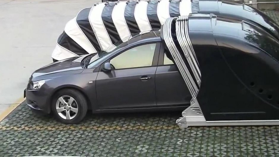 video-insolite-un-garage-pliable-venu-de-chine-8901099