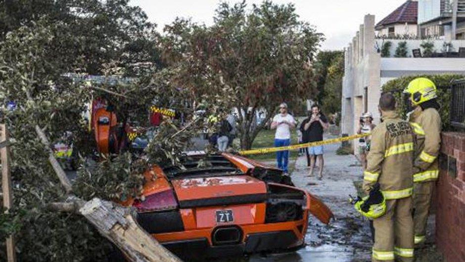 Insolite : il détruit sa Lamborghini devant l'acheteur