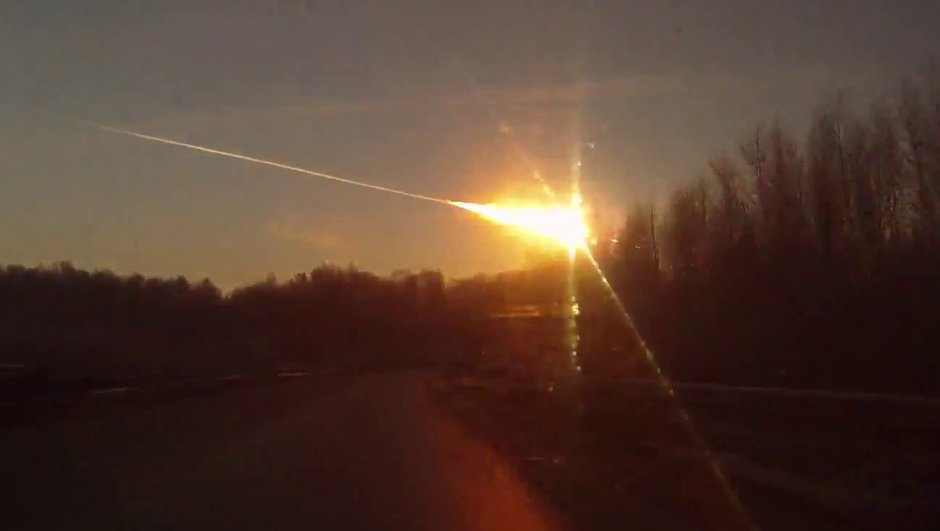Vidéos - Russie : quand les voitures filment les météorites...