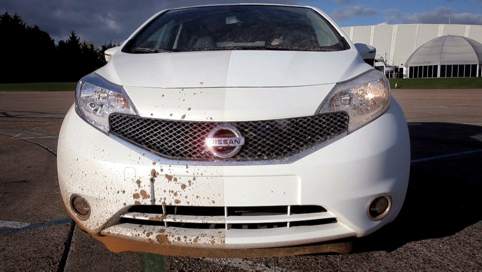 Insolite : Nissan dévoile la peinture qui ne se salit (presque) pas !