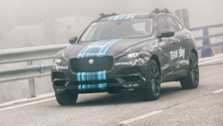 Jaguar F-Pace 2015 : le crossover dévoilé pour le Tour de France