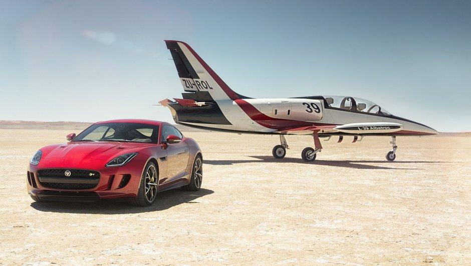 La Jaguar F-Type R convertie aux 4 roues motrices pour 2015