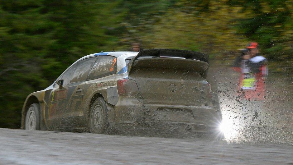 Rallye WRC de Grande-Bretagne 2014 : Ogier talonné par Latvala vendredi soir
