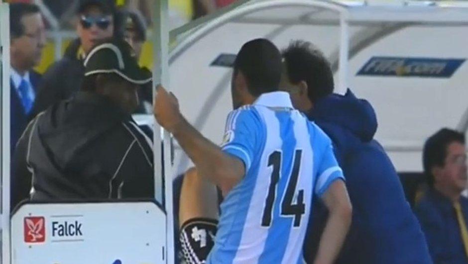 Insolite : Mascherano exclu après un coup de pied sur un brancardier (vidéo)