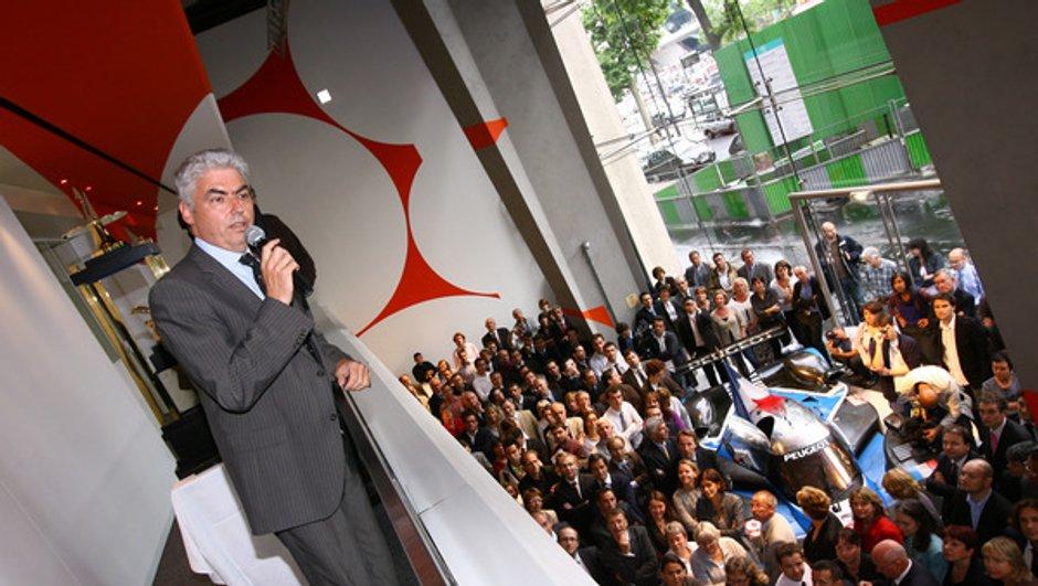 Le directeur général de Peugeot remercié !