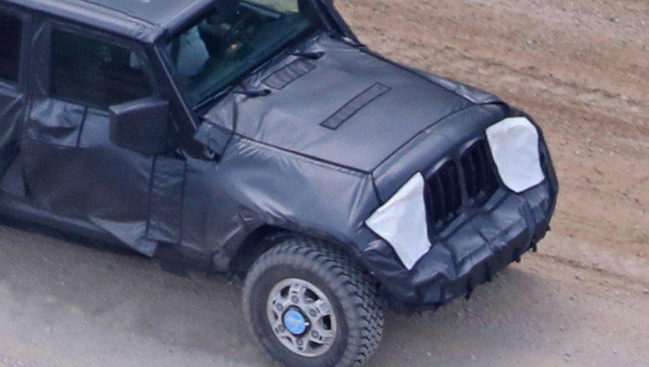 scoop-un-prototype-de-jeep-wrangler-pick-up-2018-surpris-cours-d-essais-8208141